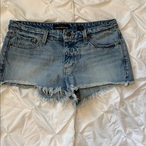 Luck Brand light wash jean shorts frayed hem 4/27